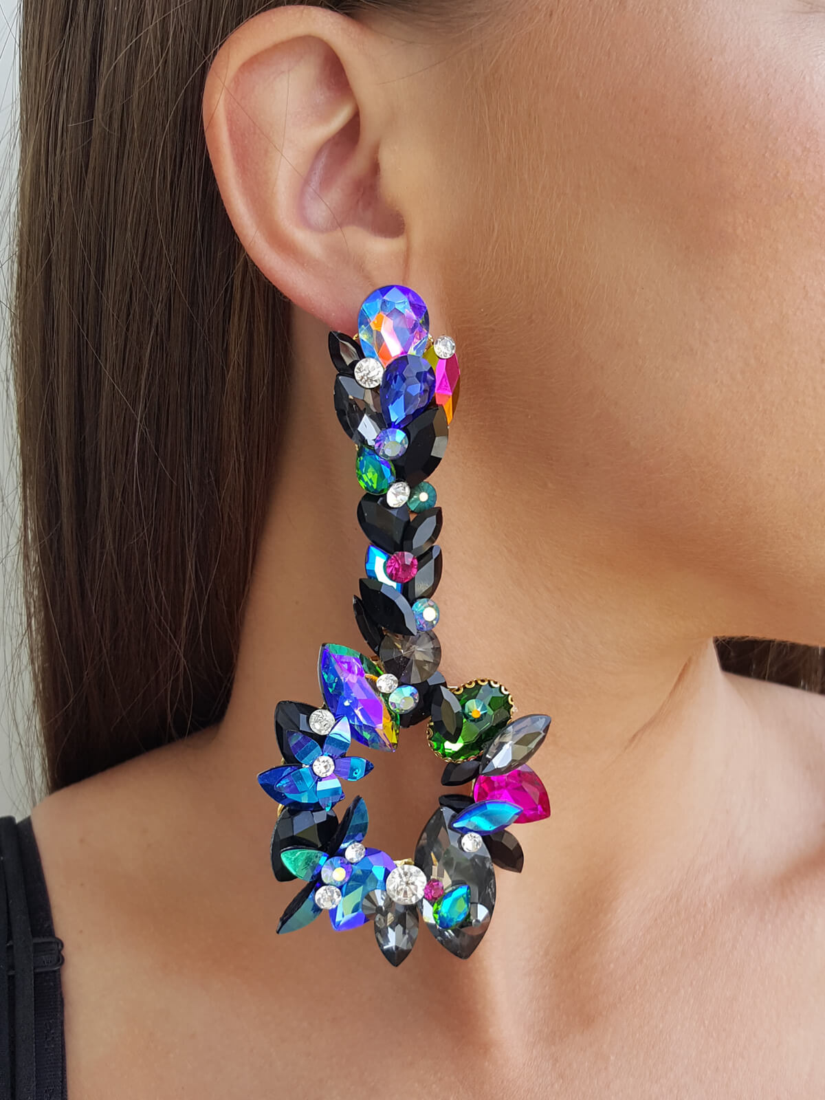 Limited Earrings 313a