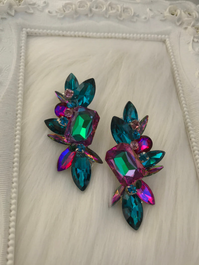 Limited Earrings 366
